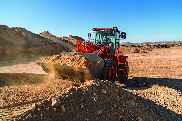 Two new Doosan wheel loaders add hydrostatic drive system
